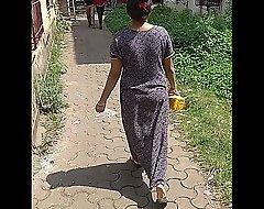 Maharashtrian bhabhi filmed wearing no skivvies