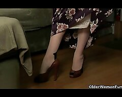 Jocular mater looks as a result hot on every side the brush nylons