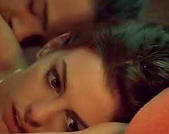Anne Hathaway Havoc (sex in bed)