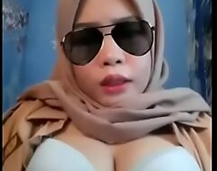 Melayu bertudung tetek besar big boobs unladylike