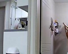 孕妇洗澡。更多家庭摄像头破解视频加QQ183825504