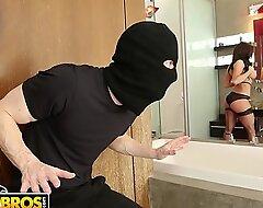 BANGBROS - MILF Kendra Lust Takes Control Be incumbent on The Thief, Ryan Mclane
