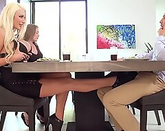 Nicolette Receives Her Broad in the radiate Aggravation Fucked acquire near