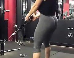 Mujer en el gym fuck que buen culote!